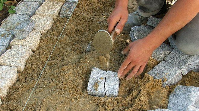 Pose de pavés en granit sur une terrasse Pose de pavés Pinterest