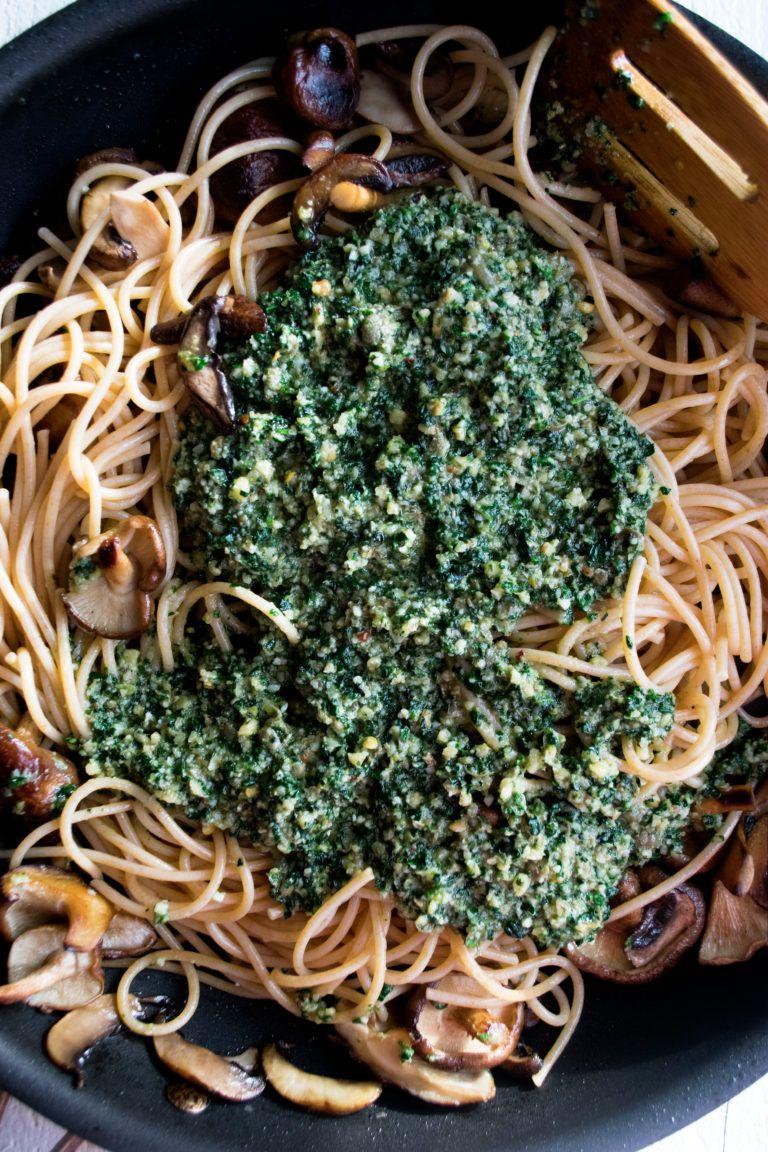 Whole Wheat Spaghetti With Kale Pesto The Original Dish Whole Wheat Spaghetti Kale Pesto Pesto Dishes