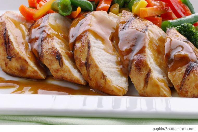 Hühnerbrustfilet in Sauce mit Buchweizen (mit Bildern ...