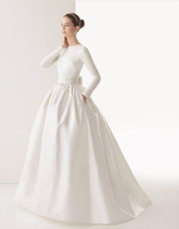 Hochzeitskleid mit langen Ärmeln, elegant, schlicht, ausgestellter ...
