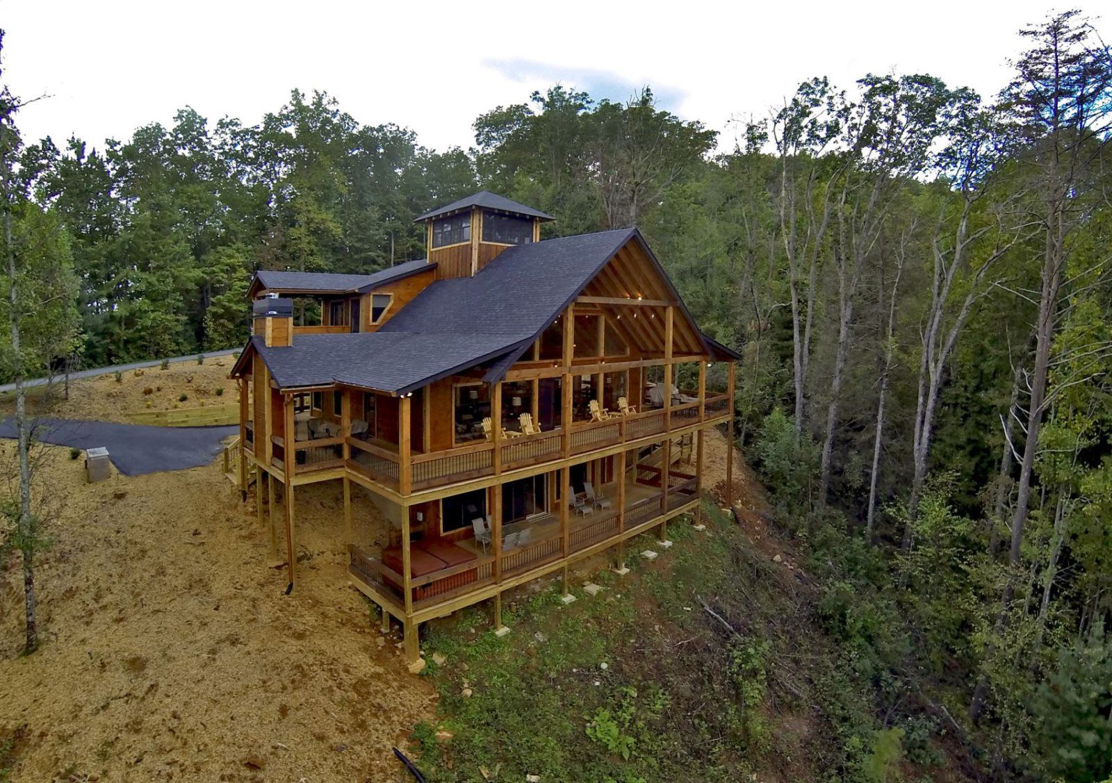 Crow's Nest Wheelchair Accessible Cabin Rental in Blue