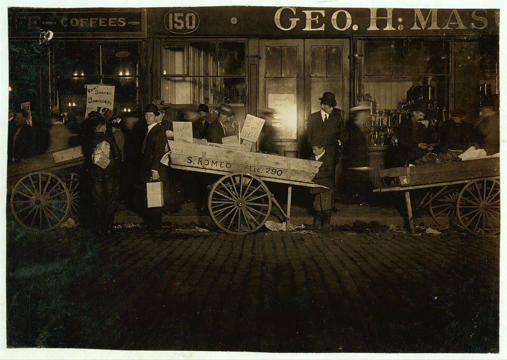 Lewis Wickes Hine. Selling Tomatoes in the Market 11 P.M