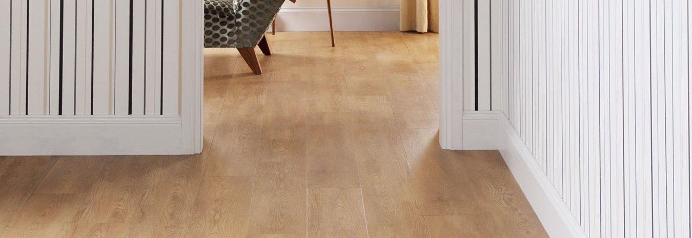 Wide plank oak floor.