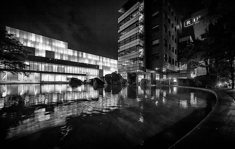 Lit Building    Canon5D2/Sigma12-24@12   1/3s   f7.1   ISO400