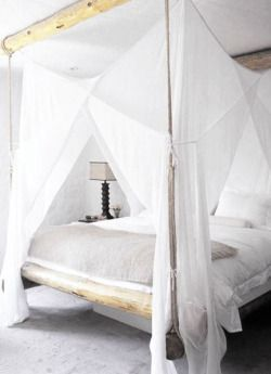 Beach House life+style canopy bed pinned by barefootblogin.com
