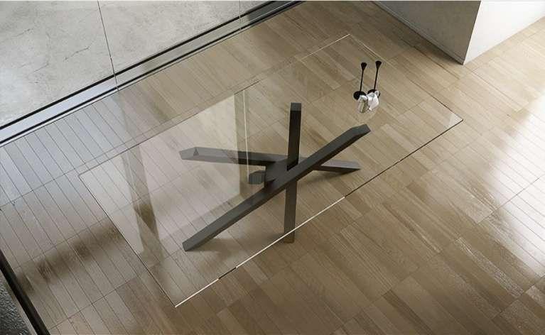 riflessi tavolo shangai - particolare piano in cristallo