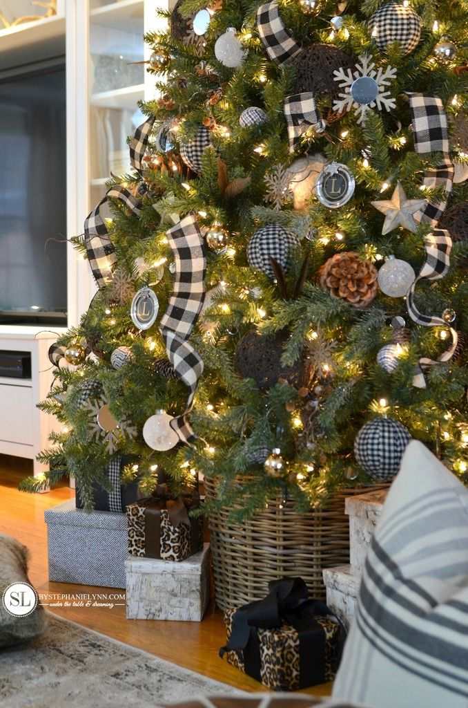 Black And White Plaid Buffalo Check Christmas Tree 2015 Michaels Dream Tree Challenge Bystephanielynn Farmhouse Christmas Tree Christmas Tree Decorations Buffalo Check Christmas