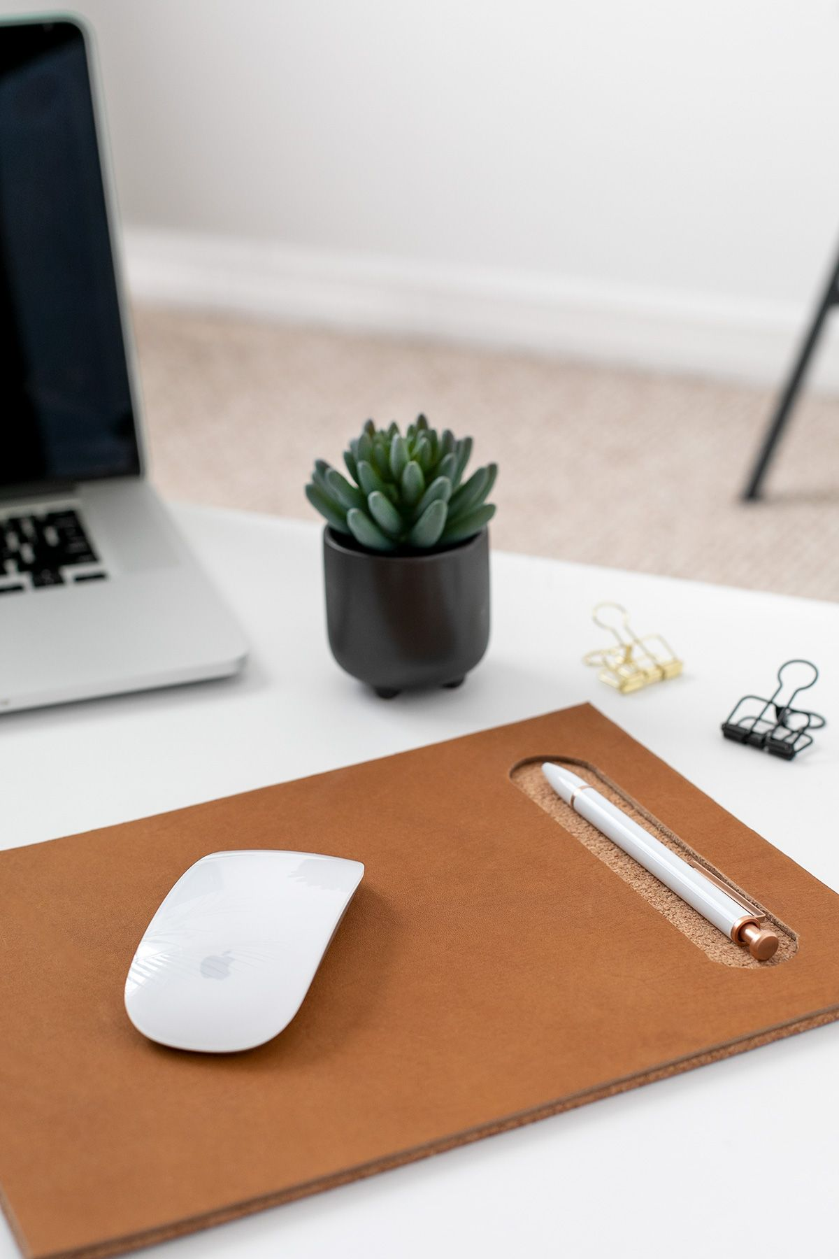 Diy Leather Cork Mousepad With Pen Groove To Keep The Ideas Flowing In 2020 Leather Mouse Pad Leather Diy Diy Mouse Pad