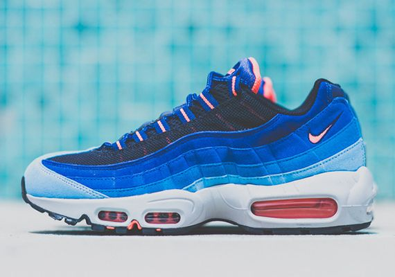 the latest debc3 cb401 nike air max 95 blue crimson available 5 Nike Air Max 95 Blue Fade Bright  Mango