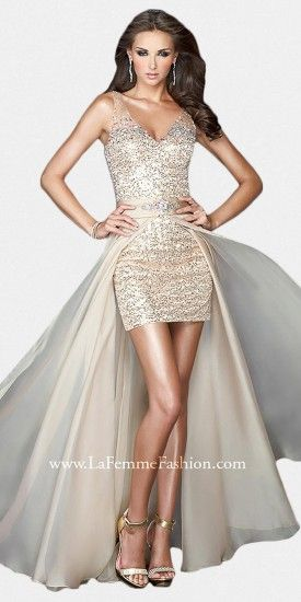 This La Femme design offers two looks to suit your mood. It would be a great option as a glamorous and sexy prom or even...Price - $498.00 - 8cBdUCl6