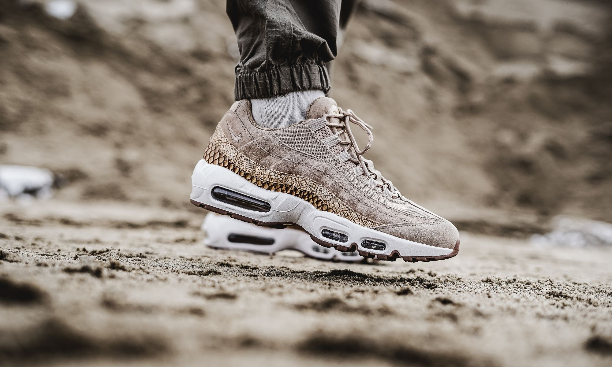 Nike Air Max 95 Premium SE Crocodile Pack - 924478-201  ddfff0b70