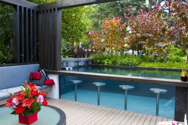 Garten gestalten Ideen wunderschöne Glas Wand Akzente pergola