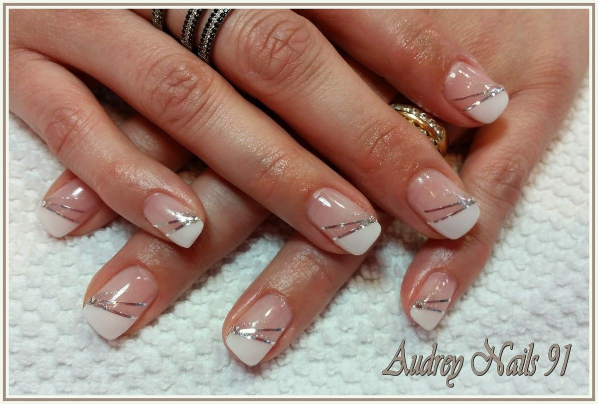 French blanche + fil d'argent | Jolis ongles, Ongles, Ongle french blanche