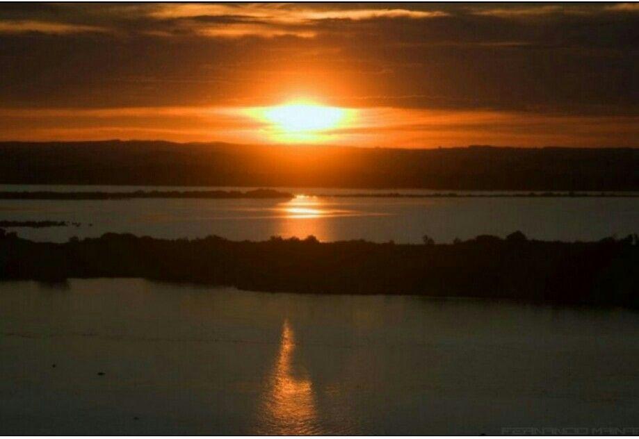 Por do sol no Guaiba - visto de Porto Alegre