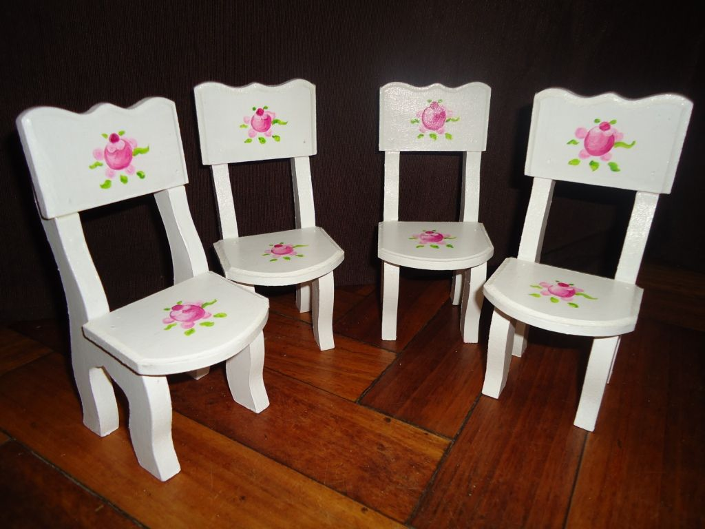 sillas para barbies y casa de mu ecas imitando el estilo