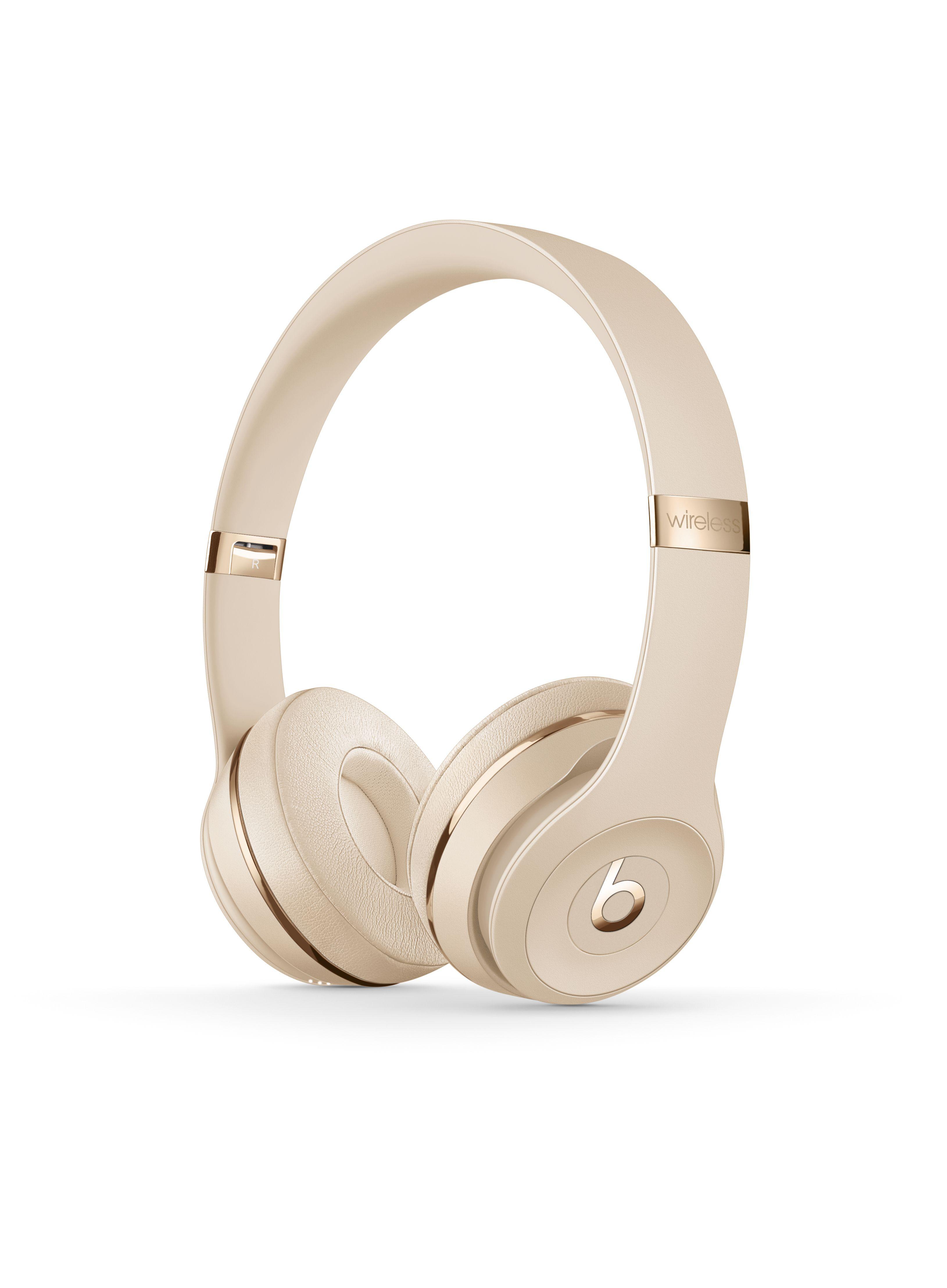 Pin By Lauren Anne On Wanted Cuties In 2020 Wireless Headphones Headphones Wireless Beats