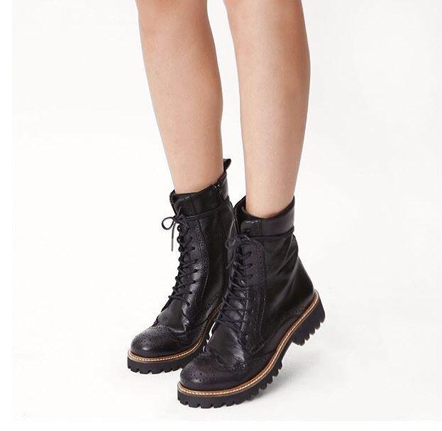 0df130f9d Coturno da Santa Lolla | Shoes etc | Coturno, Roupas e Santíssimo