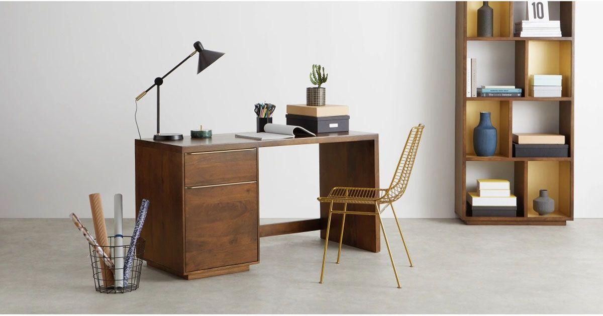 Bureau Avec Rangement 8 Modeles Pour Un Espace De Travail Optimal Meubles Pour Petit Appartement Decoration Bureau Travail Decor De Bureau A Domicile