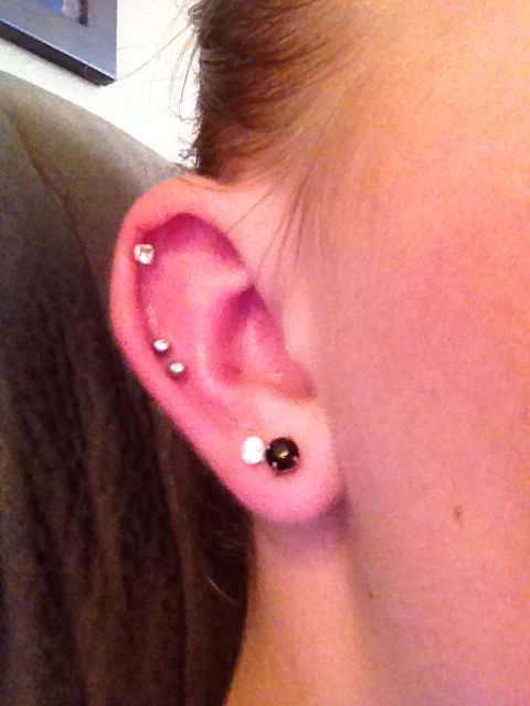 Middle Cartilage Piercing Never Ever Pierce With A Gun Always Get