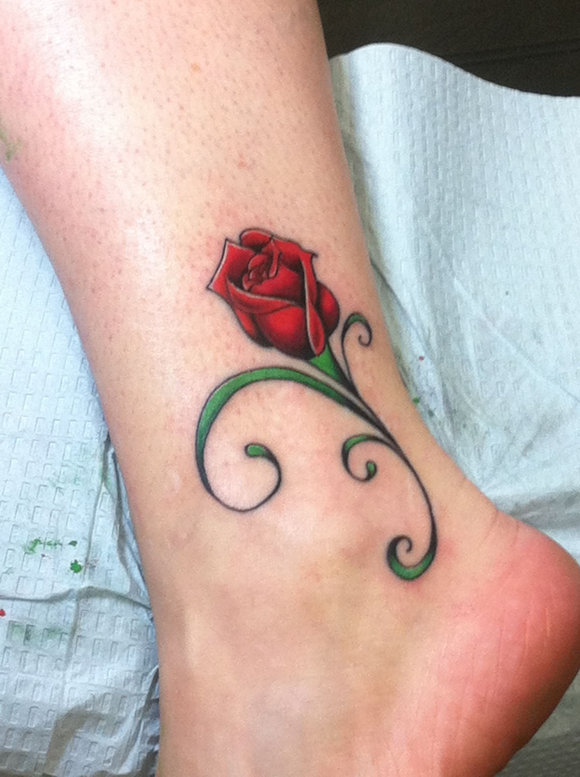 Pin By Tiffany Geare On Tattoos Rose Bud Tattoo Rose Tattoo Design Red Rose Tattoo