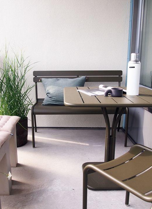 Luxembourg Gartenmöbel Von Fermob. Bank, Stuhl Und Tisch Selbst Für Kleinen  Balkon Passend:
