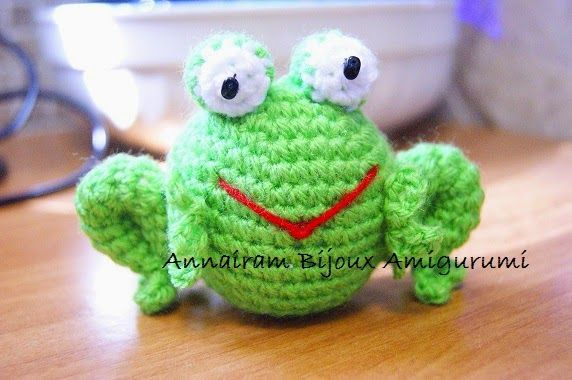 The Page Finding Frog Bookmark - Free Crochet Pattern | Schema ... | 380x572