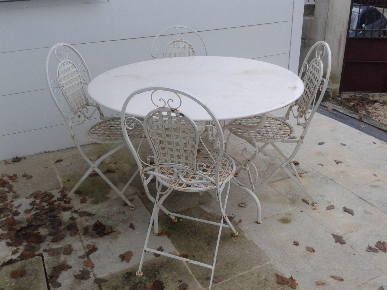 Table Ronde En Fer Forge Reedition D Un Modele Ancien Table En Chene Fer Forge Mobilier De Salon