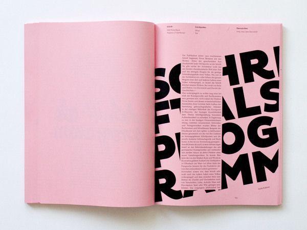 Le contraste utilisé ici est efficace entre les 4 lignes de texte en gras, qui sont un … - Typographie