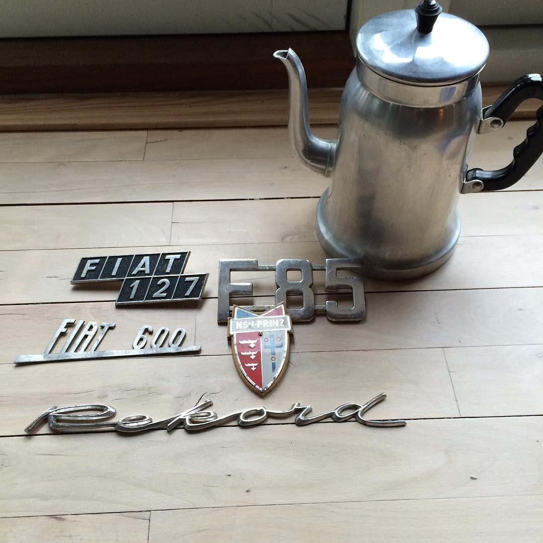 Og mega fine bilmærker og en skøn kaffekande i metal#kaffekande#bilmærker#rekord#fiat600#fiat127#nsuprintz by lisehjoerringgaard