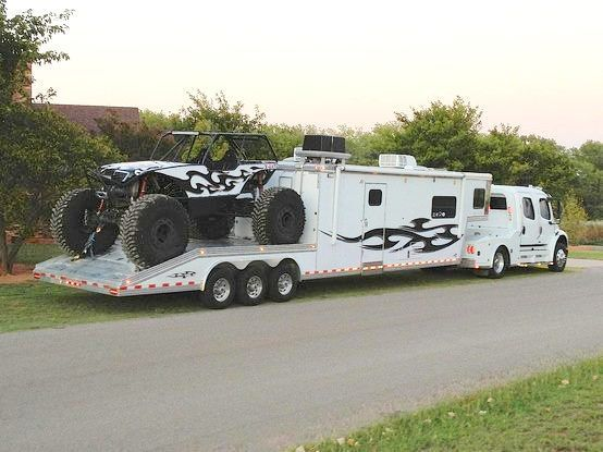 Totally cool extreme rvs ausom lifestyle to haul toys for Toy hauler motor homes
