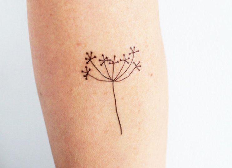 Waar Henna Tattoo Kopen: 3 Een Delicate Bloem Hand Getekende Tijdelijke Tatoeages