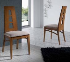 silla de comedor de diseo con respaldo alto en madera de haya y base tapizada