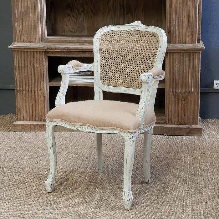 Silla lys con reposabrazos de estilo vintage y respado de for Sillas tapizadas con reposabrazos