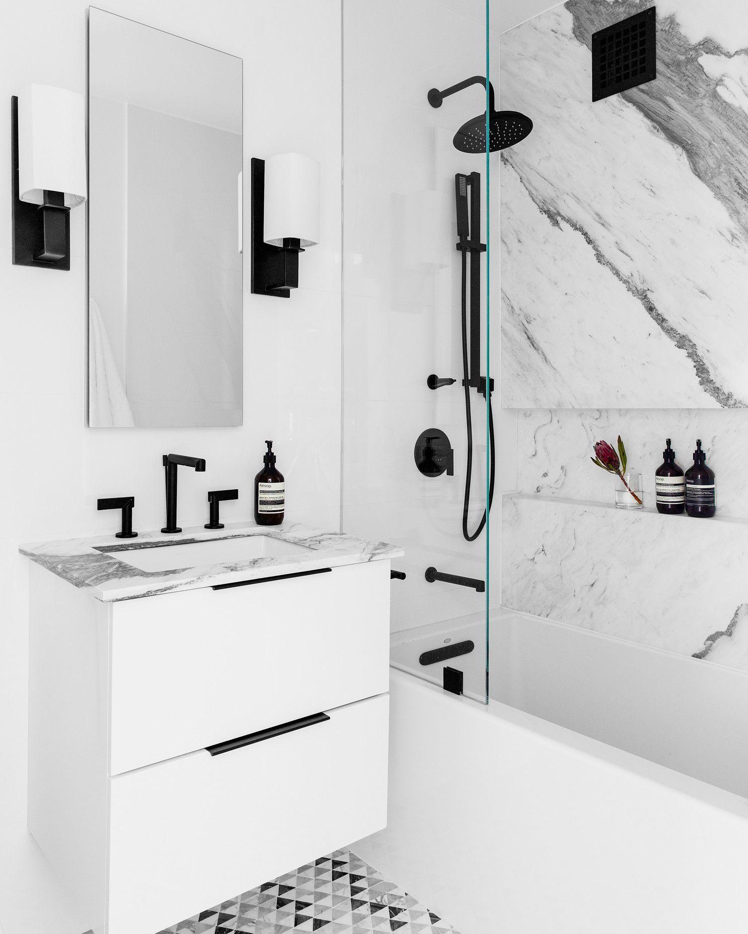 This Generic Nyc Apartment Gets A Glam Makeover Bathroom Interior Design Nyc Apartment Bathroom Interior [ 1873 x 1500 Pixel ]