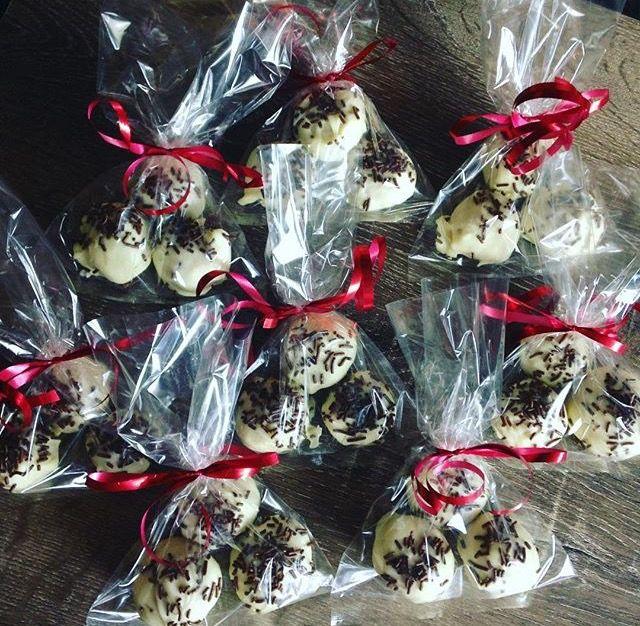 White Chocolate Truffles for Christmas Yum!