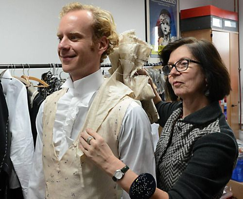 Operafantomet: phantoming, Ina Kromphardt is a tailor specializing in men's...
