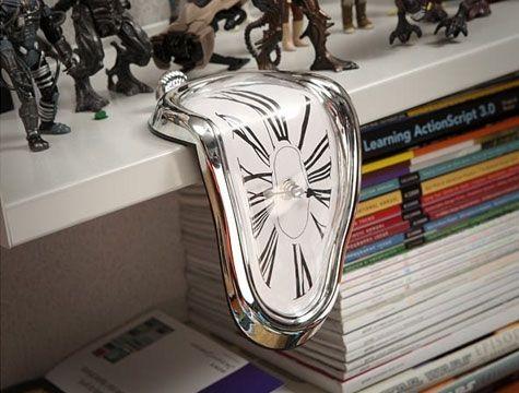 Melting Clock  Eriyen Tasarımlı Saat