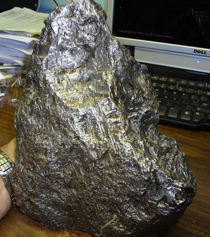 AMAZING HUGE 16000 GM SWEDISH MUONIONALUSTA  METEORITE ; FULL METEORITE