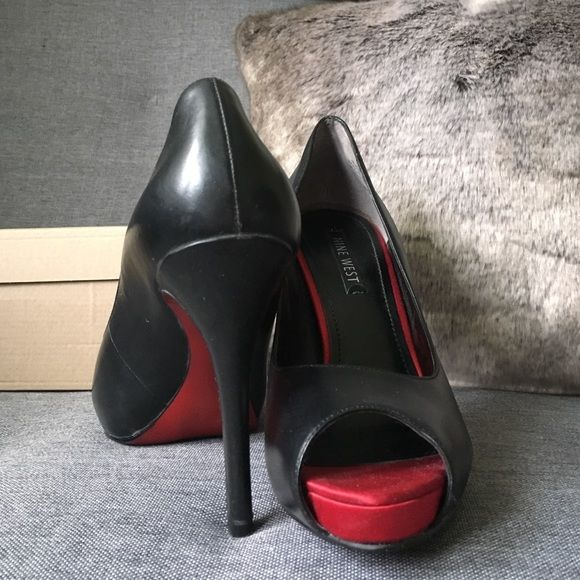 08481eacc13c NineWest Red Bottom peep toe leather heels size8.5 Gently worn (see photos)  NineWest Black leather upper peep toe pumps! Super sexy red bottoms.