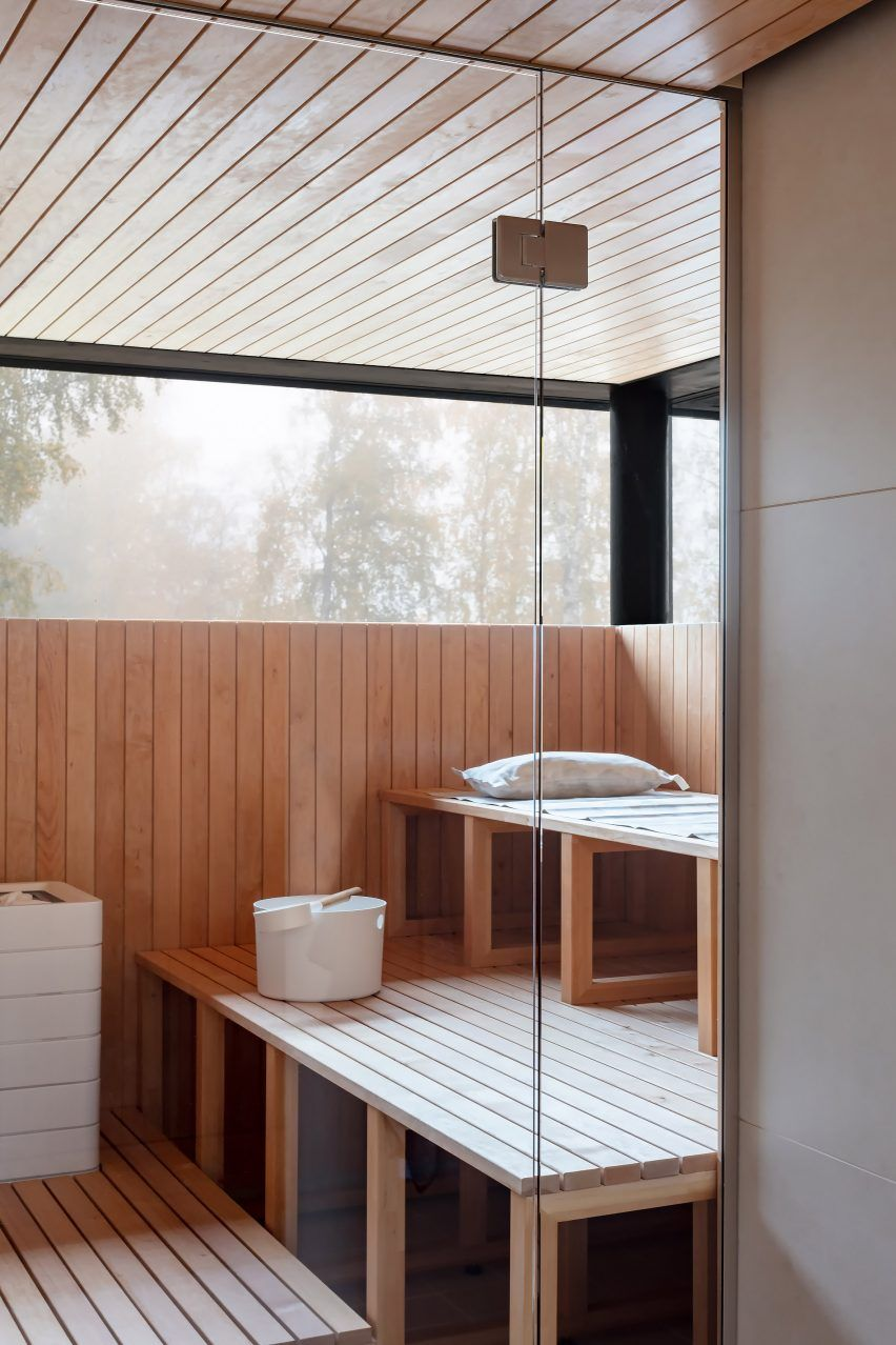 In The Sauna Paler Wood Has Been Used Along With High Level Windows That Allow Light In While Maintaining Privacy House Pale Wood House Styles