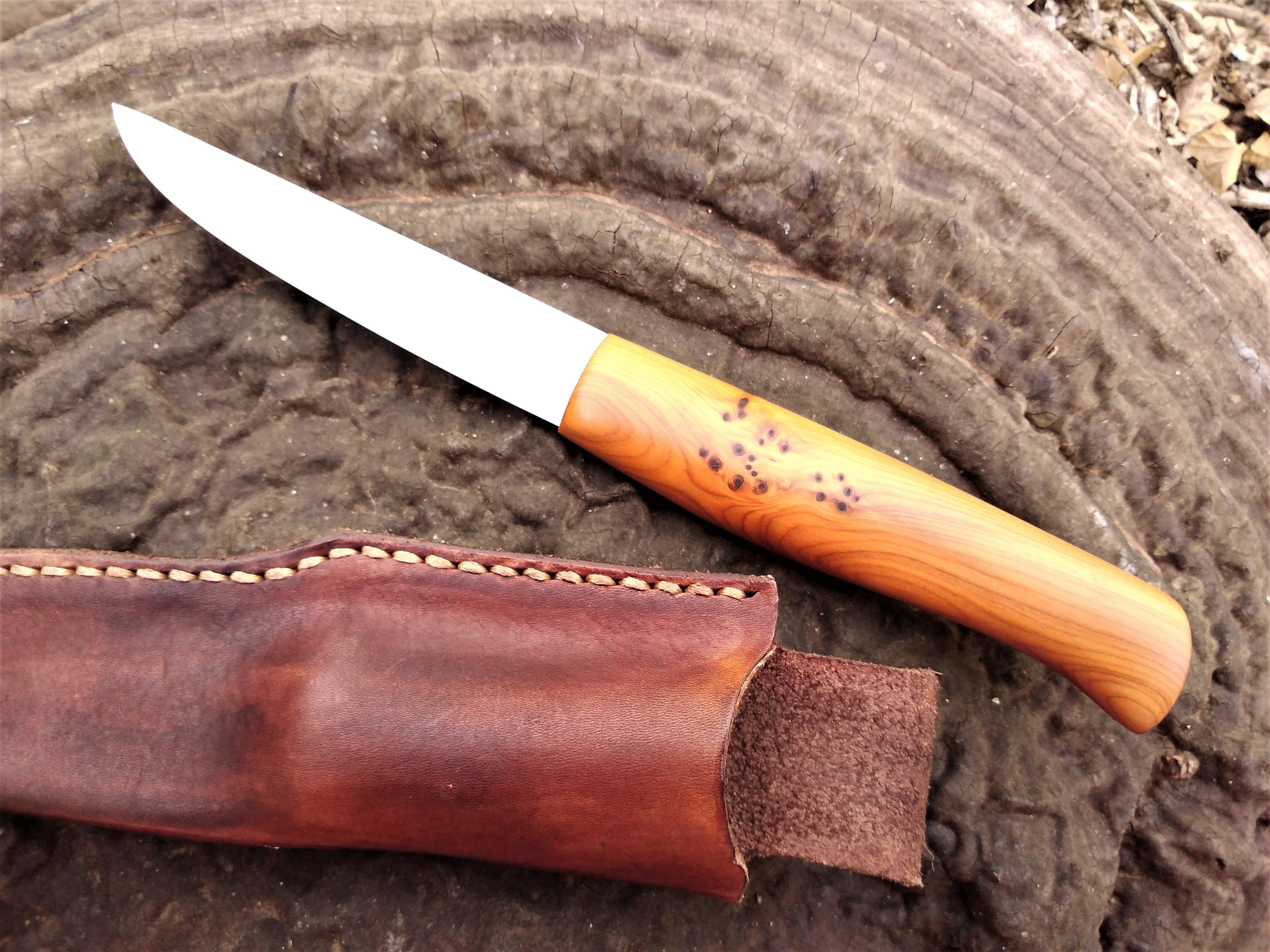 Yew Puukko Vknives In 2020 Leather Sheath High Carbon Steel Handmade Knives