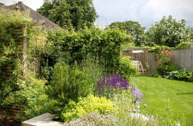 Small back garden design | English country gardens | Oxford Garden ...