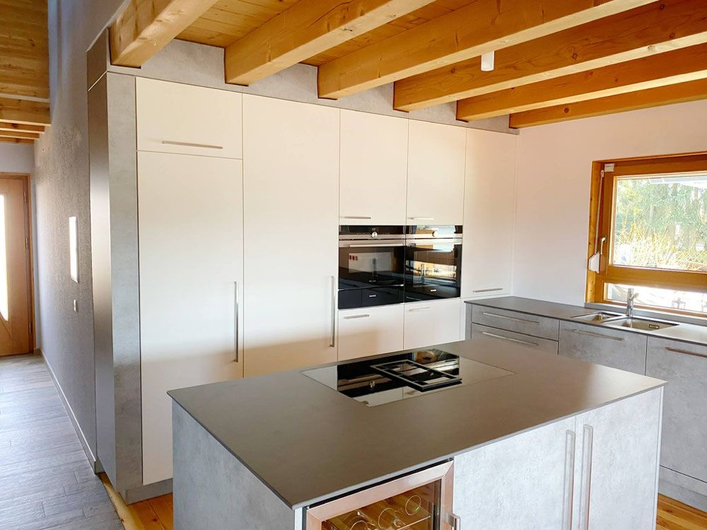 Kücheninsel mit Muldenlüfter