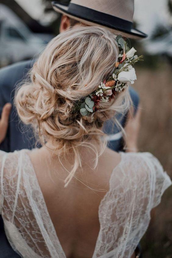Couronne de fleurs pour mariée stylée : les plus belles idées pour votre mariage bohème