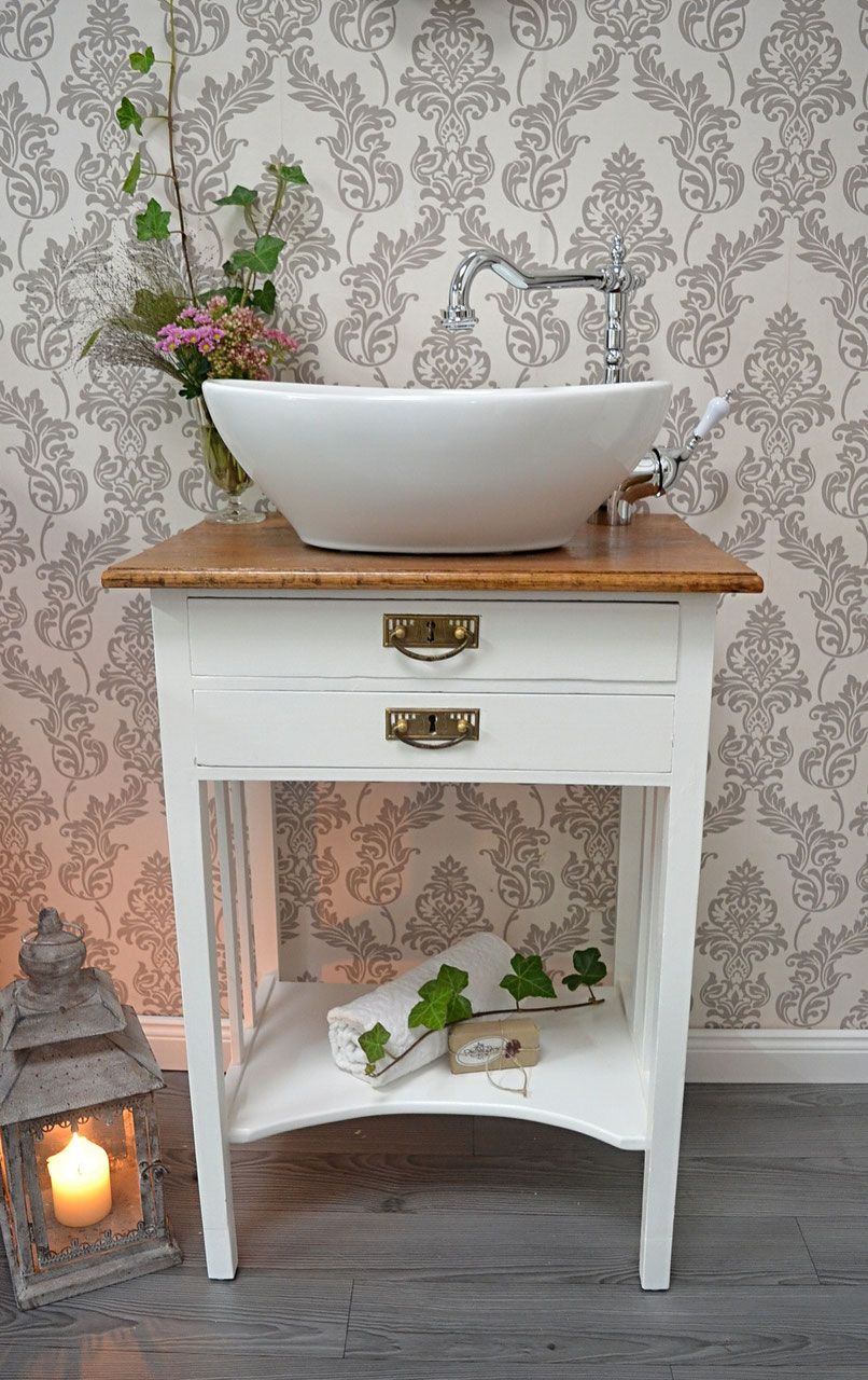 Gastewaschtische Und Kleine Waschtische Fur Ein Wohnliches Badezimmer Landhaus Nostalgie Vintage Retro Uvm Badezimmerideen Landhausstil Gaste Wc