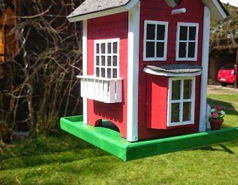 Kleines Vogelfutterhaus Zum Aufhangen Garten Holzbau Vogelhaus