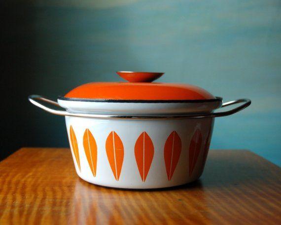 via http://www.etsy.com/listing/22092639/vintage-catherine-holm-pot-orange-lotus