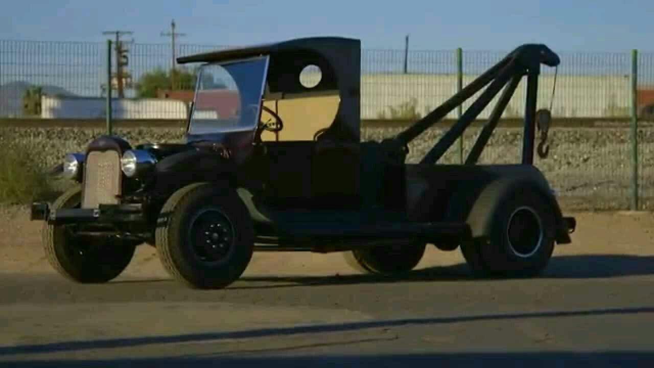 Full Custom Garage Antique Tow Truck Tow truck, Custom