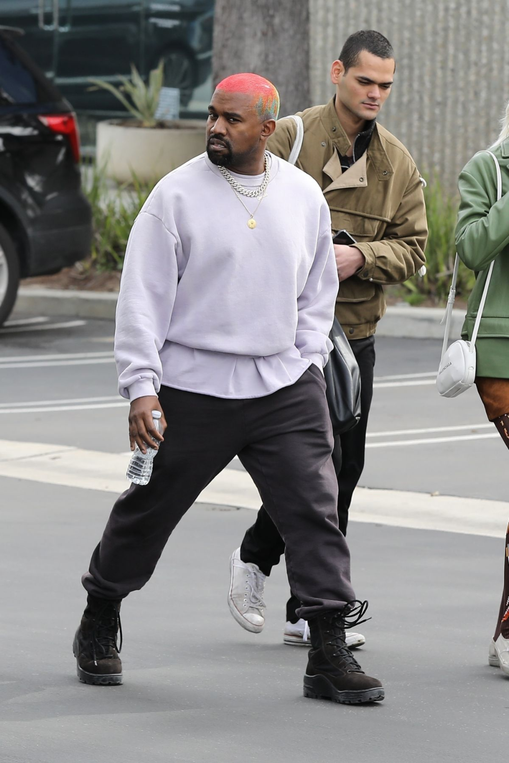 Google Image Result For Https Www Bet Com Style Beauty 2019 02 22 Kanye New Rainbow Hair Jcr Content Bodycopycontainer Emb In 2020 Kanye West Style Kanye West Style