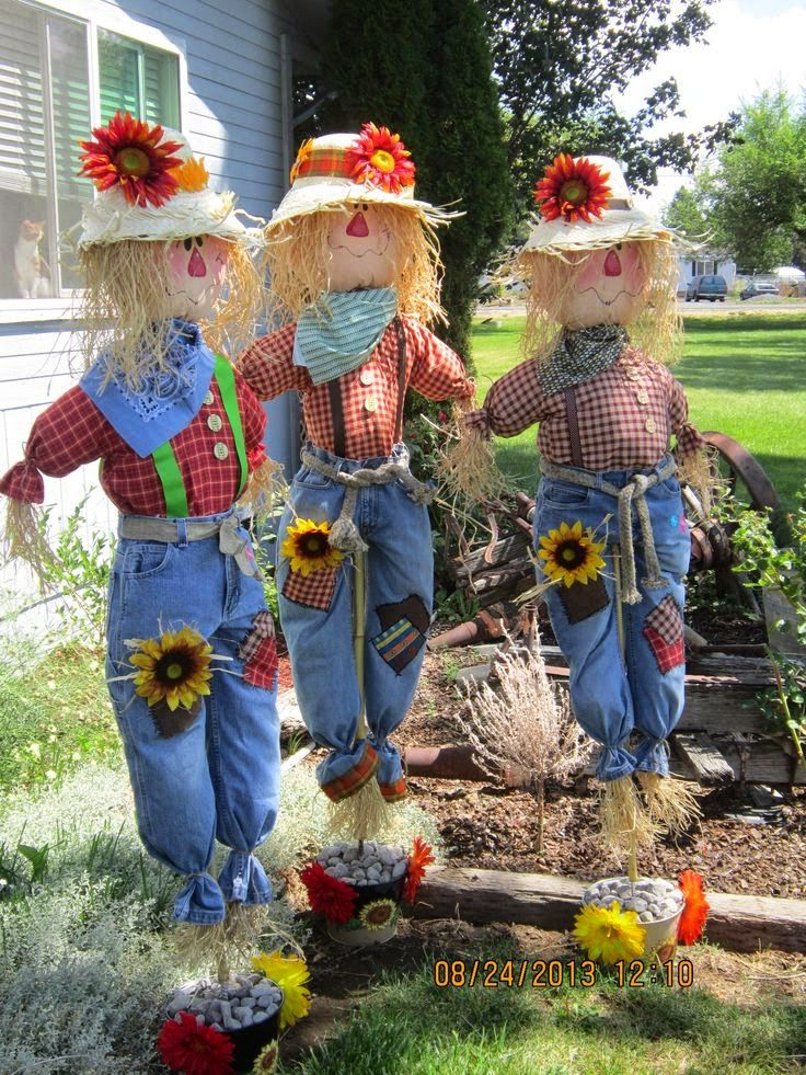 Fall Harvest With Scarecrows Fall yard decor, Scarecrows